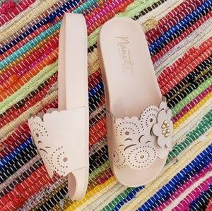 New nanette lepore/ Maria slide sandal sz8.5